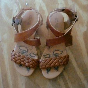 Girls sandals by Kenneth Cole